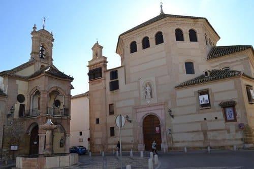 Индивидуальная экскурсия в Севилью и Антекеру из Марбельи