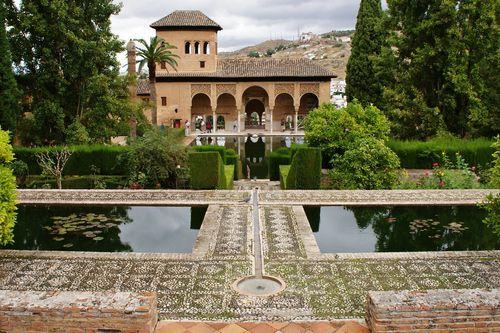 Индивидуальная экскурсия в Гранаду и Нерху из Михаса