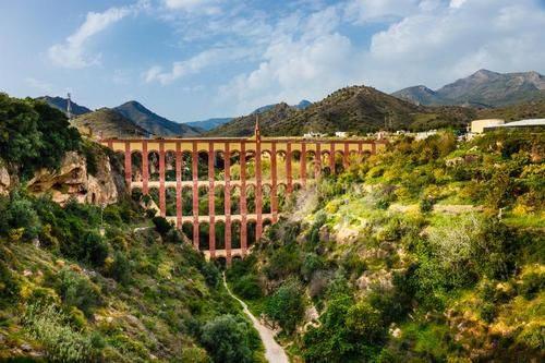 Индивидуальная экскурсия в Гранаду и Нерху из Малаги
