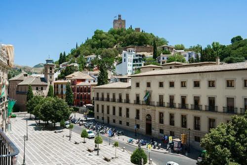 Индивидуальная экскурсия в Гранаду из Бенальмадены