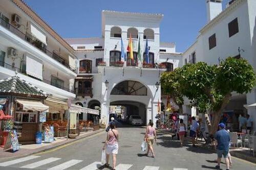 Индивидуальная экскурсия в Гранаду и Нерху с Коста дель Соль